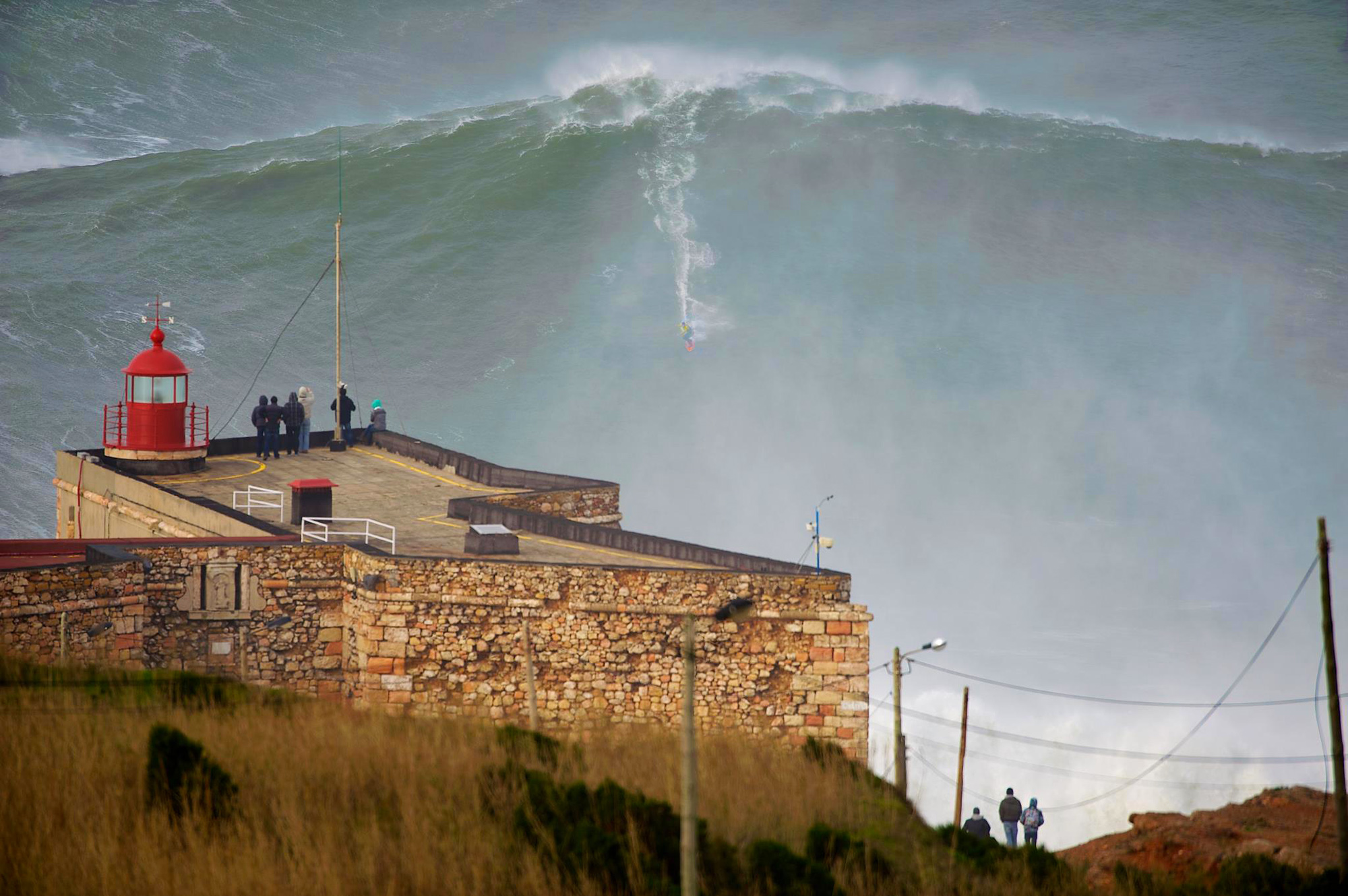 The Wave - They Say This Was The Biggest Wave Ever Surfed